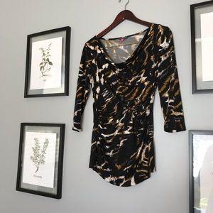 Animal print 3/4 sleeve shirt
